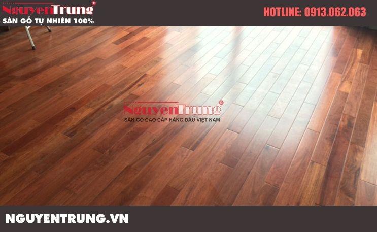 Sử dụng sàn gỗ tự nhiên theo năm tháng
