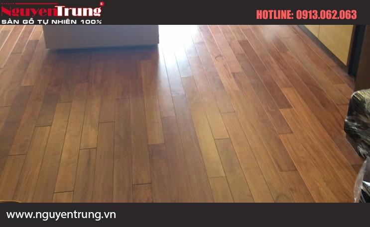Sàn gỗ căm xe 18*120*450