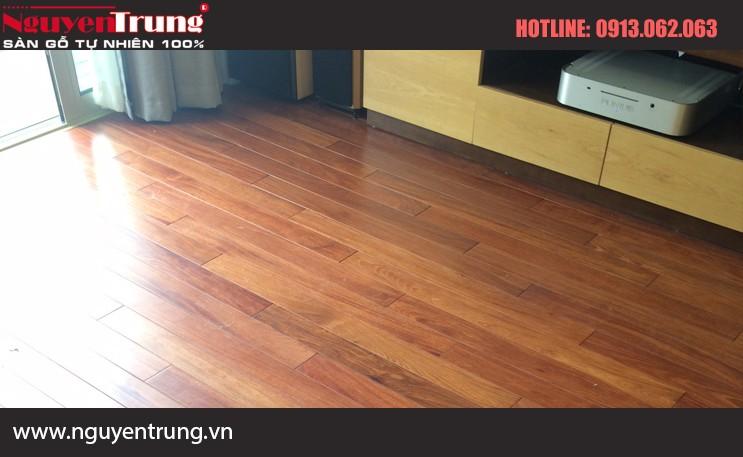 Sàn gỗ căm xe 18*120*750