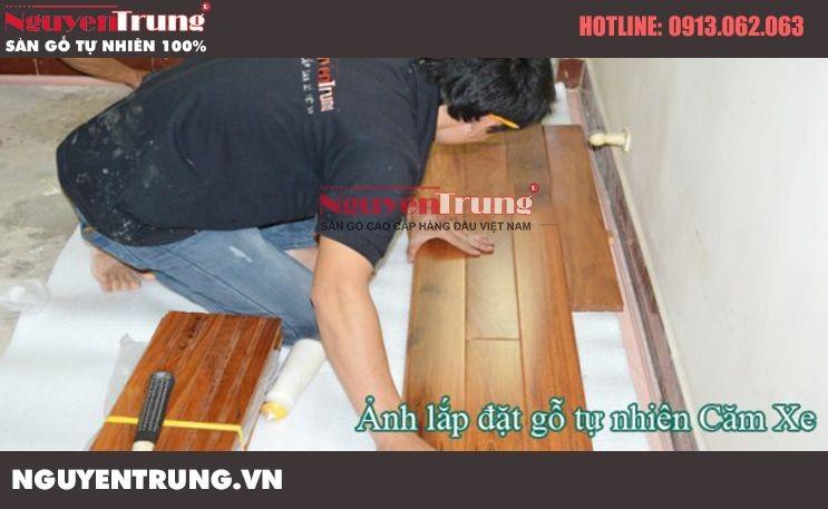Thi công sàn gỗ Căm Xe tại TimesCity Hà Nội