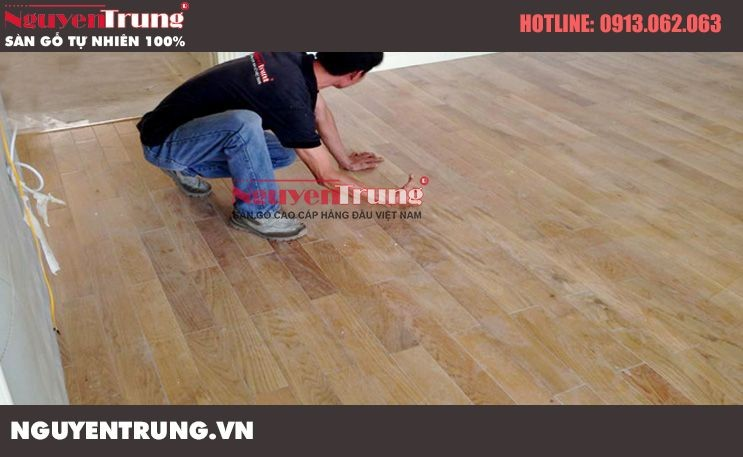 Thi công sàn gỗ sồi trắng tại Big C Thăng Long