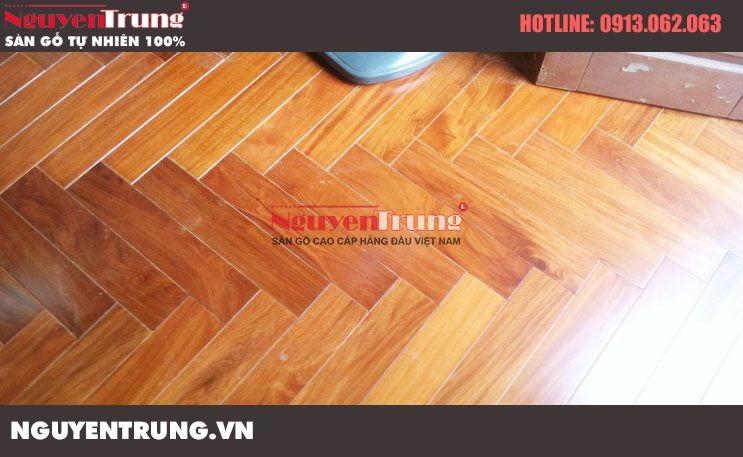 Thi công sàn gỗ Căm Xe Lào tại Khương Trung Hà Nội