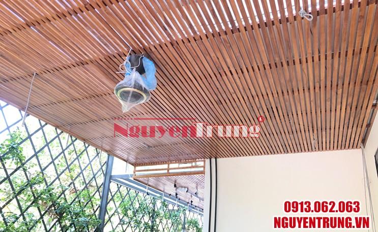 Trần gỗ tự nhiên 01
